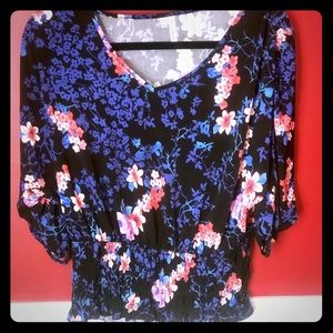 Stunning Top With Vibrant Colors & Tie Up Sleeves